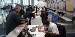 İstanbul Havalimanı'nda iç hat yolcularının seyahat izin belgesi için başvuruları başladı