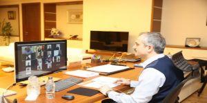 Çiftçi, meclis üyeleriyle video konferansla görüştü