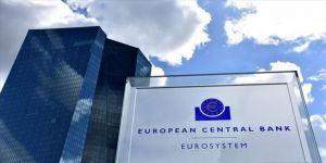 ECB para politikası stratejisini Kovid-19 nedeniyle 6 ay erteledi