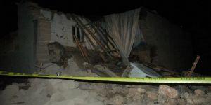 Diyarbakır'da çöken kerpiç evden çıkarılan 9 çocuktan iki kardeş öldü