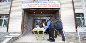 Sokakta kalan hasta adama Büyükşehir el uzattı