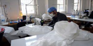 Sağlık çalışanlarının tulumları Tokat Olgunlaşma Enstitüsünden