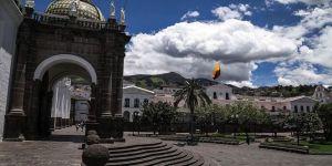 Ekvador'da karantina altındaki kentte son bir haftada evlerden ve hastanelerden 500 ceset toplandı