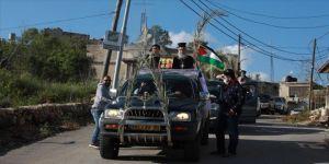 Batı Şeria'da Kovid-19 nedeniyle Palmiye Pazarı kutlamaları kilise dışında yapıldı