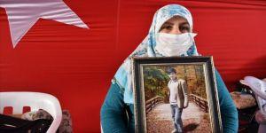 Diyarbakır annelerinden Zümrüt Salim: Çocuklarımızı HDP'den istiyoruz