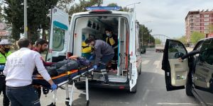 Trafik kazasında yaralanan sürücüye belediye başkanından müdahale