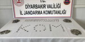Diyarbakır'da tarihi eser operasyonunda 1389 gümüş sikke ele geçirildi