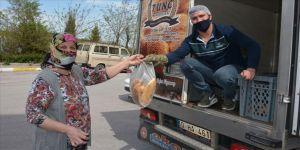 Balıkesir'de 'WhatsApp ekmek hattı' aracılığıyla vatandaşa 60 bin ekmek ulaştırıldı