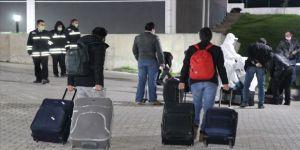 Sırbistan'dan getirilen 94 Türk vatandaşı Kütahya'daki yurtlara yerleştirildi