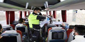 Sahte izin belgesiyle otobüsle yolculuk eden 26 kişiye ceza kesildi