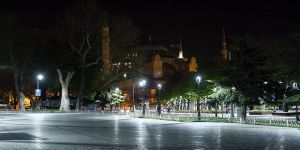 İstanbul'da iftarda dolup taşan meydanlar boş kaldı