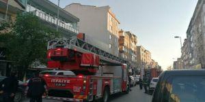 Üç Katlı Binada Yangın Çıktı