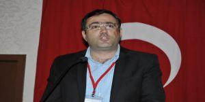 Erdal Kopal,1 Mayısın beş kişiyle sınırlandırılması trajikomik bir durumdur