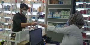 Eczaneler 40 milyon ücretsiz maske dağıttı