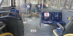 Tramvay ve otobüslerde ''sosyal mesafe uyarıcı etiketleri'' uygulaması hayata geçirildi