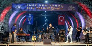 İstanbul Valiliği yerin 72 metre altında 1 Mayıs konseri düzenledi
