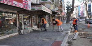 Zincirlikuyu Caddesi'nde kaldırım imalatları yapılıyor