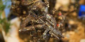 Mehmetçiğin kahramanca mücadelesini minyatüre taşıdı