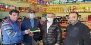 Trabzon'da MÜSİAD üyeleri bakkalların veresiye defterlerindeki borçları ödüyor