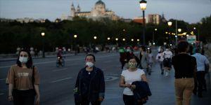 İspanya'da Kovid-19'dan son 24 saatte 185 kişi öldü