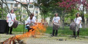 Koronavirüs tedbirleri kapsamında sembolik 'Hıdrellez ateşi'