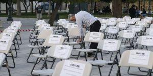 Yunanistan'da 'boş sandalye' protestosu
