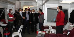 Başkan ve Kaymakam'dan  Kızılay'a Kan Bağışı Çağrısı