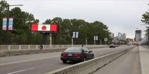Kanada'da son 48 saatte 330 kişi Kovid-19 nedeniyle hayatını kaybetti