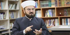 Dünya Müslüman Alimler Birliği: Kovid-19 önlemlerinin gevşetildiği yerlerde camiler de açılmalı