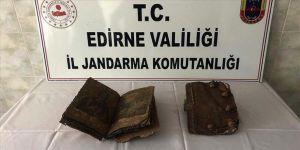 Edirne'de 500 yıllık olduğu değerlendirilen 2 el yazması İncil ele geçirildi