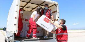 Türk Kızılay tarafından,yardımları taşıyan askeri kargo uçağı, başkent Üsküp'e ulaştı