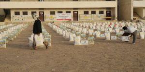 Türk Kızılay Yemen'de 3 bin 500 gıda kolisi dağıttı