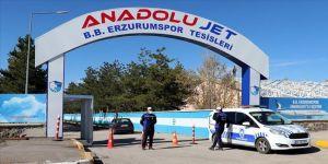Erzurumspor'da futbolcu ve çalışanlardan oluşan 72 kişi karantinaya alındı