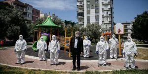 İzmir'in kadın dezenfeksiyon timi Kovid-19'a savaş açtı