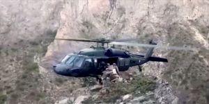 Kahraman helikopter pilotunun kayalıklardaki Mehmetçiği tek tekerle tahliyesi nefes kesti