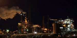 Brent petrolün varili 33,62 dolar