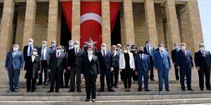 İYİ Parti Genel Başkanı Akşener Anıtkabir'i ziyaret etti