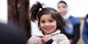 Suriye'de rejimin vurduğu yetimhaneden kurtulan Sevra 5 yaşına girdi