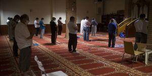 Atina'daki mescitler ibadete açıldı
