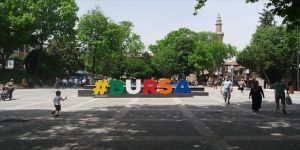 Bursa'daki bazı cadde ve alanlarda maske takma zorunluluğu getirildi