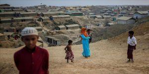 Arakanlı Müslümanlar bayramı Kovid-19 ve Amphan Kasırgası gölgesinde karşılıyor