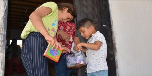Kızıltepeli çocuklara 'bayram harçlığı ve hediye paketi' sürprizi