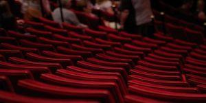 Özel tiyatroların kayıt işlemleri yönetmelikle belirlendi