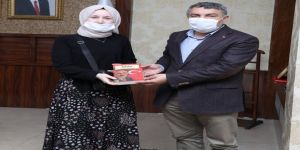 Türkiye Birincisi Ayşenur, Başkan Şayir'in konuğu oldu