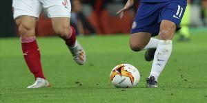 İngiltere Championship'te iki kişide koronavirüs tespit edildi