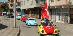 Büyükgöz,Tematik tarihi otomobillerle Gebzelilerin bayramını kutladı
