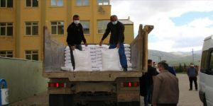 Kayseri'de öğrenci ve öğretmenlerin katkısıyla alınan 445 torba un dağıtıldı