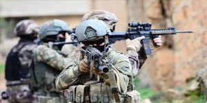 Siirt'te PKK'lı teröristlerin şehit ettiği Uzman Onbaşı Gündeş'in kanı yerde kalmadı
