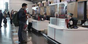 İstanbul Havalimanı'nda tarifeli seferler normalleşmenin ikinci gününde de sürüyor