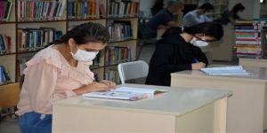 Şırnak'ta teröristlerin iki kez ateşe verdiği kütüphane yeniden hizmette açıldı